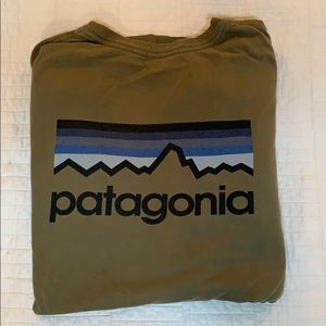 Patagonia long sleeved graphic tee